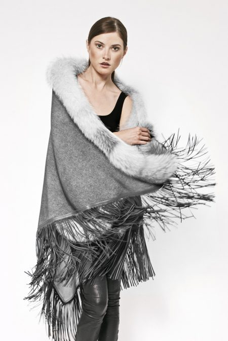Gispy cashmere shawl rimmed with fox and leather fringes - cod. 13/51
