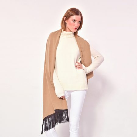 cod. 20/25 – color Camel – Cashmere scarf with leather fringes on one side