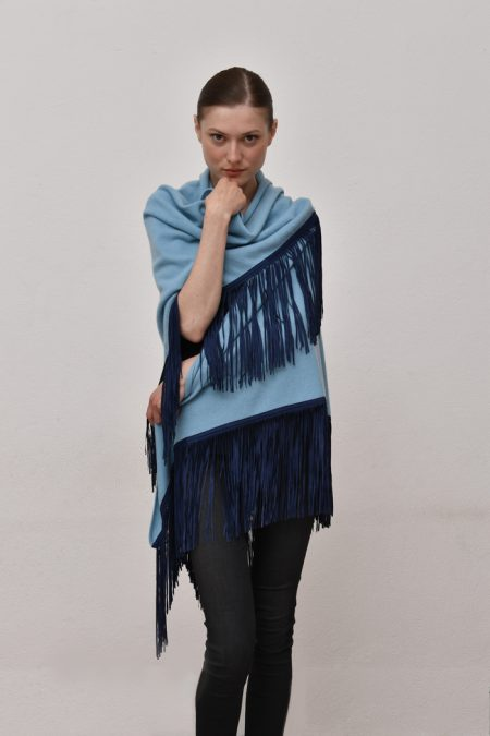 Cod. 13/18 – color Canale – Gipsy cashmere shawl with color Blue suede fringes