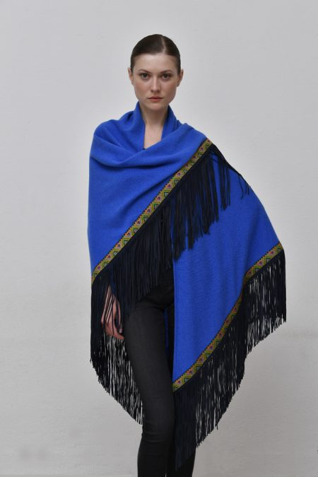 Cod. 13/34 – color Royal – Trimmed cashmere shawl with suede fringes