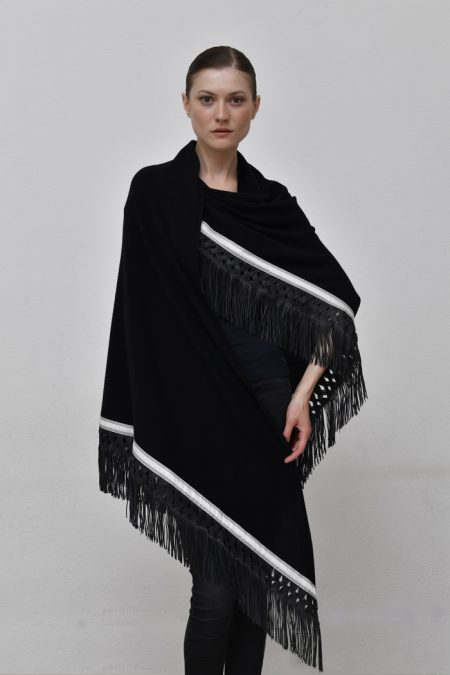 Cod. 13/31 – color Black . Trimmed cashmere shawl with suede fringes