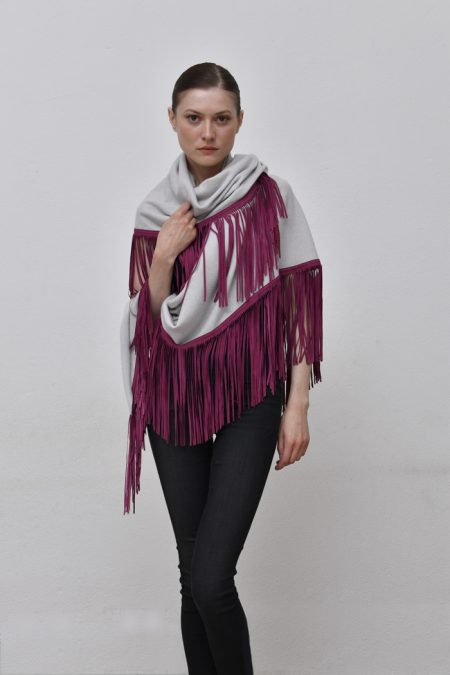 Cod. 13/18 – color Sasso – Gipsy cashmere shawl with color Peonia suede fringes